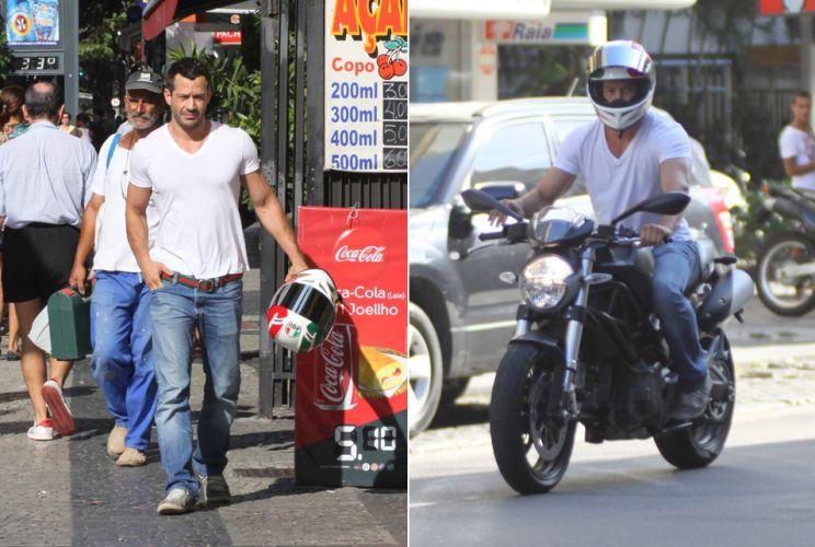 Malvino Salvador passeia de moto pelas ruas do Leblon, na tarde de sexta-feira, no Rio de Janeiro (18/2)