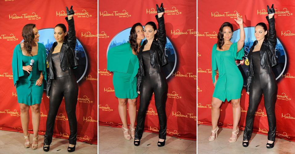A cantora Alicia Keys posa durante a apresentação de sua estátua de cera, no Museu Madame Tussauds, em Nova York (28/6/11)