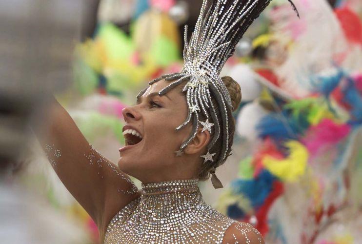 Em 2003, repetiu a atuação do ano anterior ao desfilar à frente da bateria da Portela, no Carnaval do Rio de Janeiro (2/3/03)