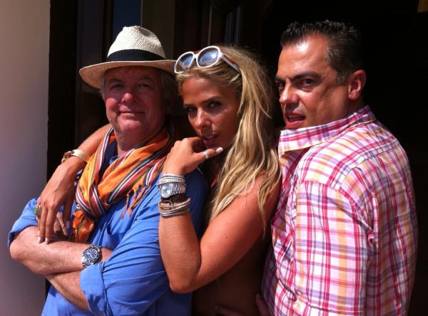 O fotógrafo JR. Duran, Adriane Galisteu e o cabeleireiro Marco Antônio de Biaggi no último dia de ensaio da revista