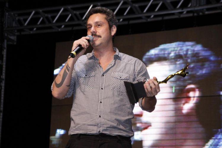 O ator Alexandre Nero comparece ao Prêmio Arte Qualidade, no Rio de Janeiro. Ele levou o troféu na categoria Melhor Ator Coadjuvante de Telenovela por sua atuação como o vilão Gilmar de