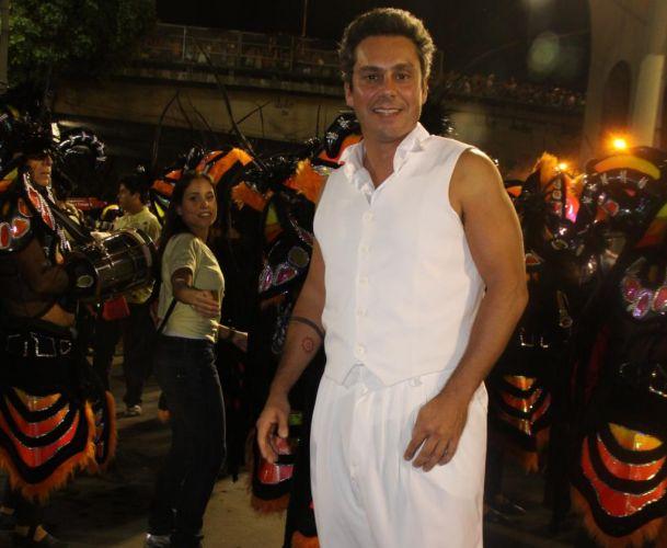 Alexandre Nero no Sambódromo do Rio, antes de desfilar pela União da Ilha do Governador (7/3/2011). Na escola de samba, ele representou o personagem central do enredo, Charles Darwin