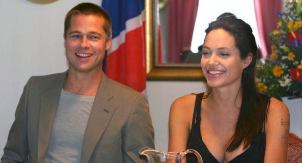 Casal dá entrevista na Namíbia um dia antes da foto de Shiloh sair na revista (07/6/06)