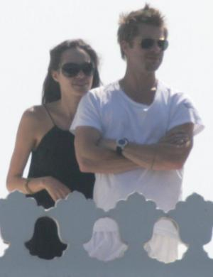 Jolie e Pitt em viagem romântica para o Lake Palace Hotel, em Udaipur, Índia (29/10/06)