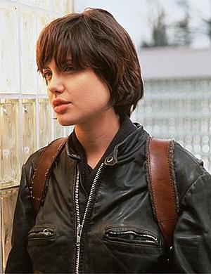 Angelina com 20 anos, em Rebeldes (1996)