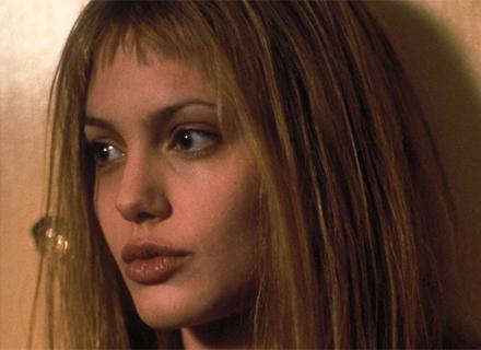 Angelina ganha Oscar de melhor atriz coadjuvante em