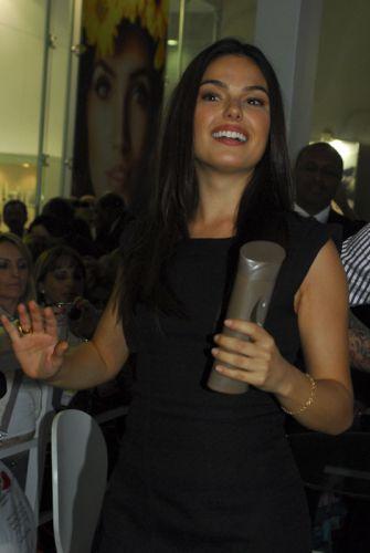 A atriz Ísis Valverde participa da Beauty Fair, evento de beleza que acontece em São Paulo até o dia 13 de setembro (12/9/11)