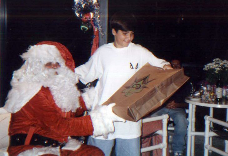 No Natal de 1990, Bruno recebeu o presente das mos de Papai Noel