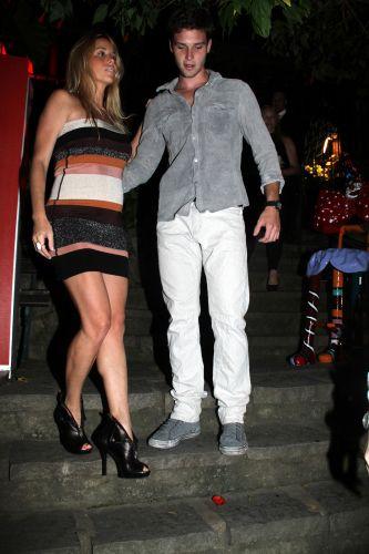 Danielle Winits e Jonatas faro circulam pelo 16º Búzios Cine Festival, em Búzios, Região dos Lagos fluminense, na sexta-feira (26/11/2010)