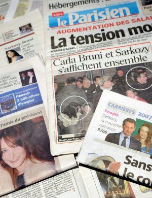 Em dezembro de 2007, a italiana foi vista com o presidente francês, Nicolas Sarkozy, na Euro Disney e as fotos foram capas dos principais jornais do país. Sarkozy havia se terminado um casamento de 11 anos em outubro. Em fevereiro de 2008, Bruni e Sarkozy se casaram