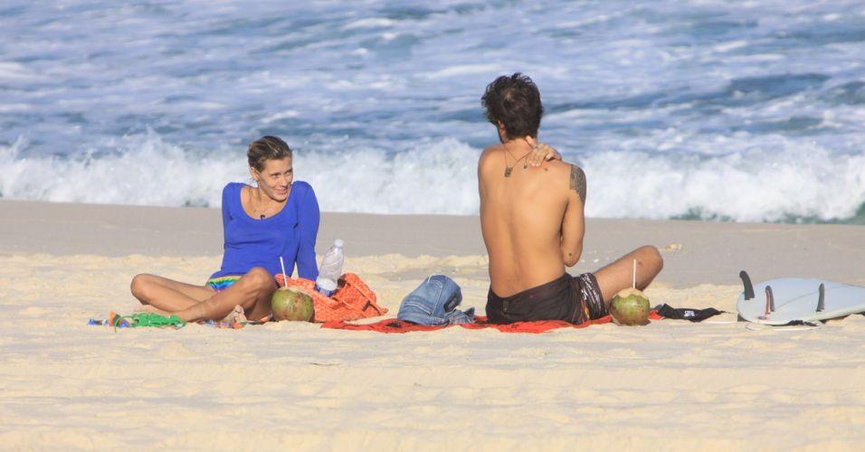 Carolina Dieckmann e Paulinho Vilhena, que formaram um casal em