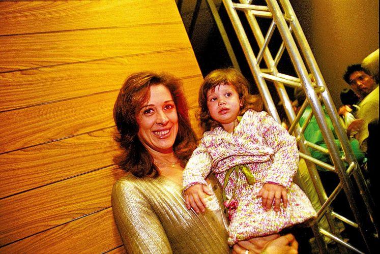 Claudia Raia e a filha Sophia durante os desfiles do