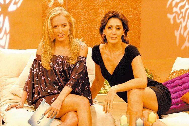 A apresentadora Angélica e Claudia Raia durante gravação do programa