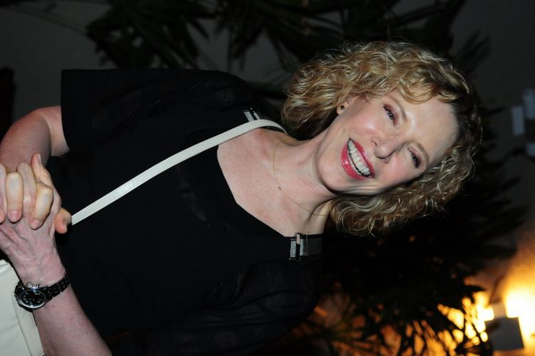 Marília Gabriela assiste ao show de Amy Winehouse em São Paulo na noite de sábado (15). Antes, a jornalista curtiu uma festa em um bar da capital paulista (15/1/2011)