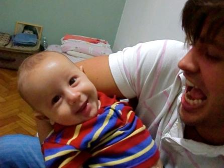 Dado Dolabella publicou uma foto e anunciou em seu blog que é pai pela segunda vez (1/3/2010). Eduardo, que nasceu em novembro de 2009, é fruto de um relacionamento anterior ao de Dado com Viviane Sarahyba, sua atual mulher