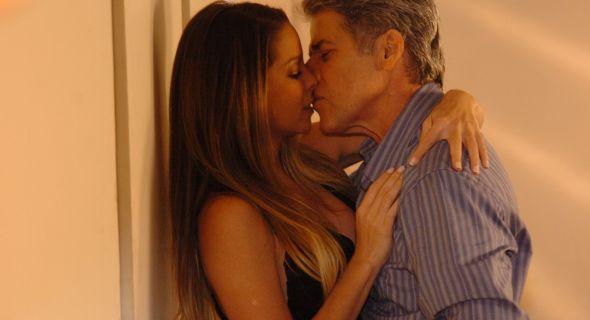 Danielle protagonizou cenas sensuais com José Mayer em