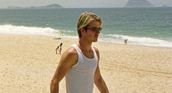 O inglês deu uma pinta na praia do Pepino (RJ) no Mundial de Clubes da FIFA (05/01/00)