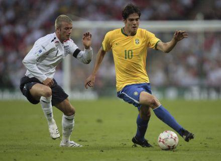 Beckham marca Kaká, em amistoso entre Brasil e Inglaterra (1/6/07)