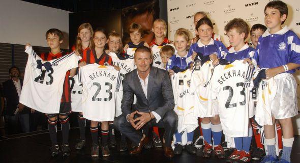 Beckham participa de lançamento de seu perfume, em Sydney (28/11/07)