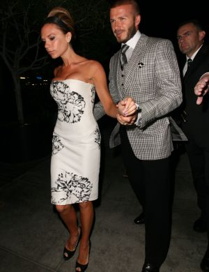 David acompanha sua mulher, Victoria, na festa de 33 anos dela (21/4/08)