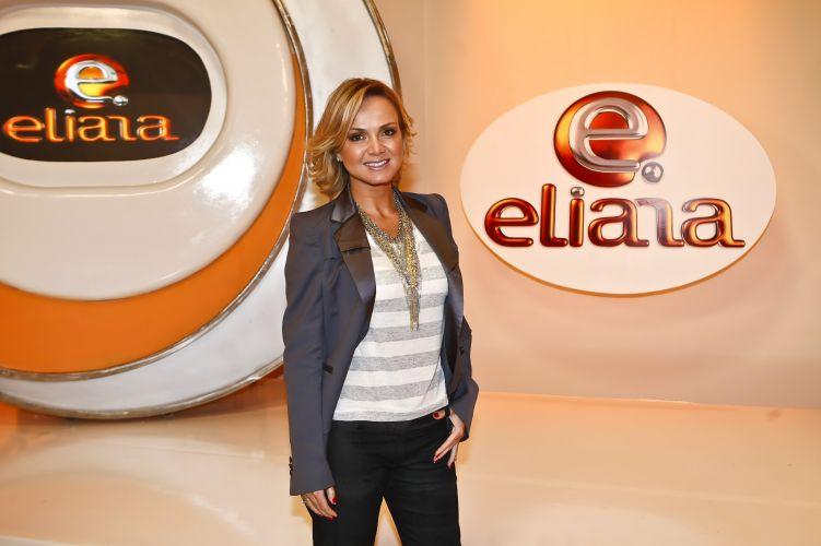 Eliana posa para foto nos estúdios do SBT, em São Paulo, onde começa a apresentar programa que leva seu nome (24/8/2009). Veja mais sobre a vida de Eliana em seu site oficial