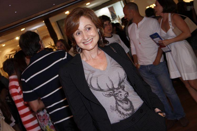 Zezé Polessa vai ao teatro Fashion Mall, no Rio, para a reestreia da peça