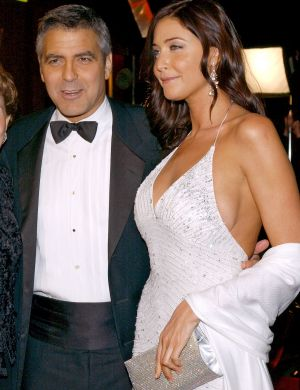 Clooney vai com a namorada, Lisa Snowdon,  pr-estria de 