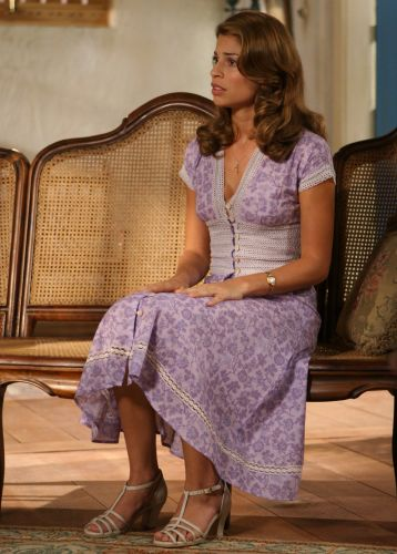 Grazi Massafera como Florinda em cena da novela