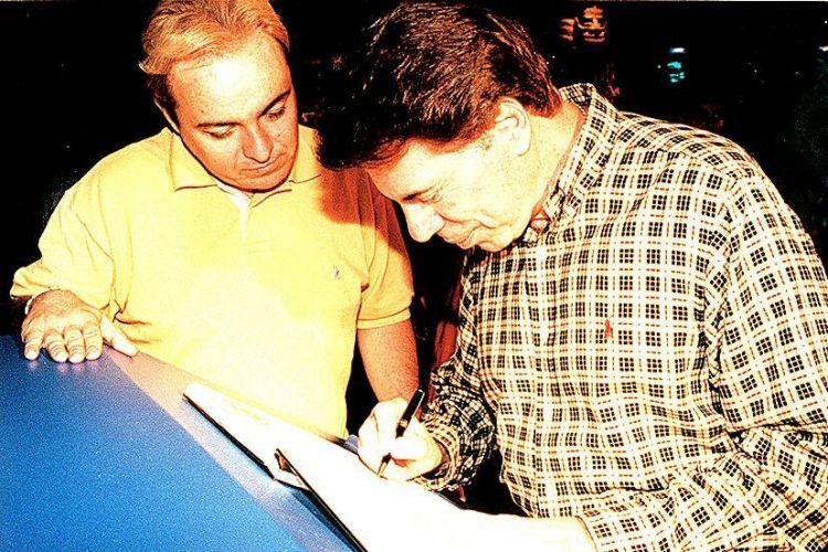 Gugu Liberato e Silvio Santos durante uma visita ao Parque do Gugu, no SP Market, em São Paulo (26/6/97)