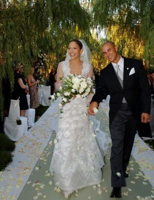 Jennifer Lopez casa-se com o coreógrafo Cris Judd, na Califórnia (set/2001)
