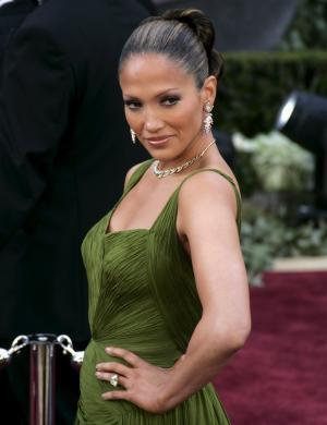 Jennifer Lopez chega para a 78ª edição da cerimônia do Oscar (mar/2006)