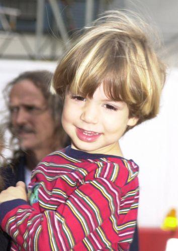 Lucas Jagger, filho da apresentadora Luciana Gimenez com o roqueiro Mick Jagger, no aeroporto de Nova York (22/10/2004)