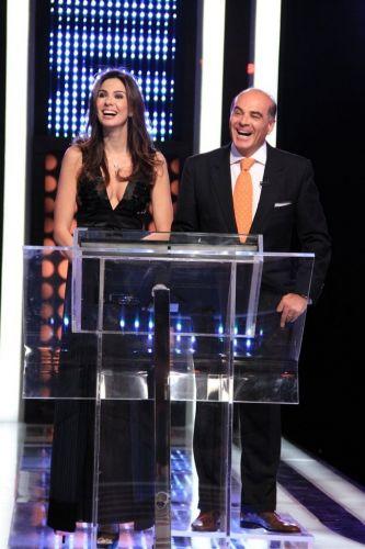 Luciana Gimenez e o marido Marcelo de Carvalho durante apresentação do programa