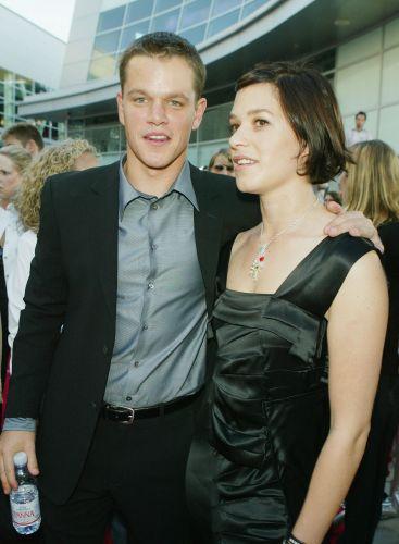 Matt Damon e Franka Potente posam para foto durante première de
