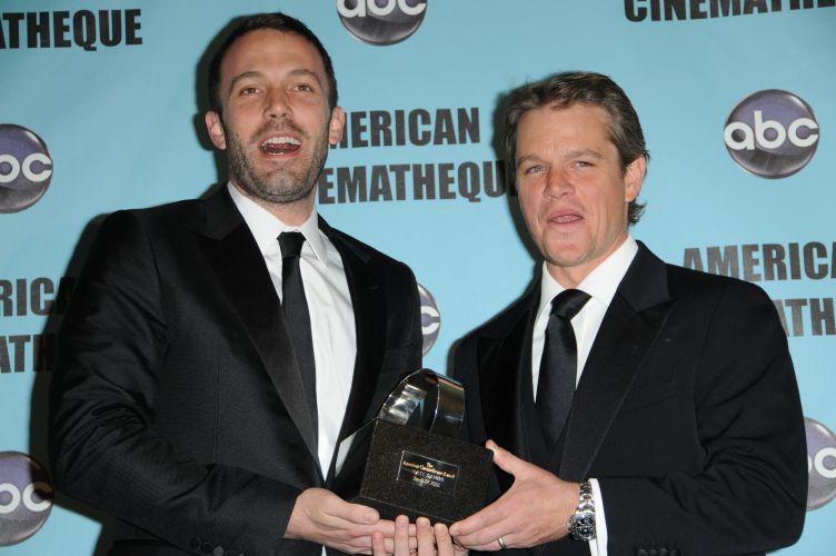 Matt Damon e Ben Affleck participam da 24ª American Cinematheque Award em Los Angeles (27/3/2010). Nesse evento, Matt Damon foi o homenageado da noite