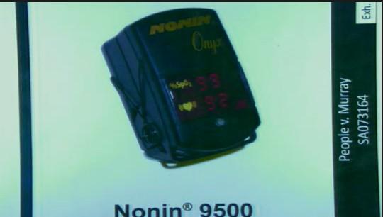 Robert William Johnson, diretor da empresa que fabrica oxímetro de pulso, que mede a quantidade de oxigênio no sangue de um paciente, faz o juramento (30/9/2011). Johnson diz que existem mais de 10 tipos de oxímetros, e o de número 9500 é usado apenas para leitura instantânea, não é para verificação contínua