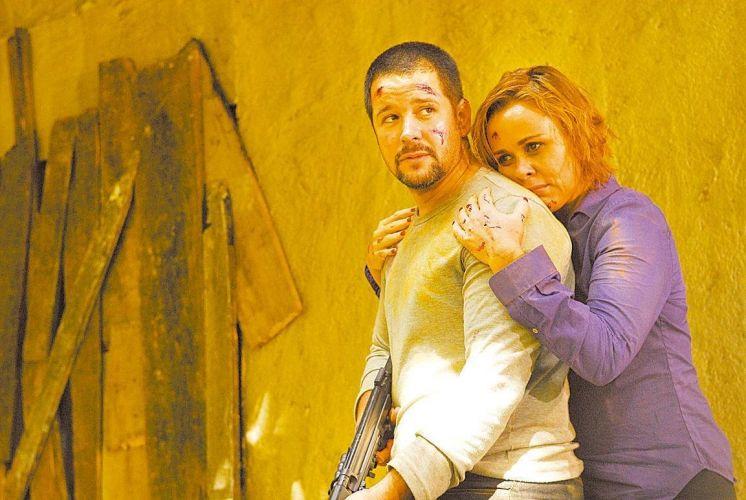 Murilo Benício e Giulia Gam em cena de