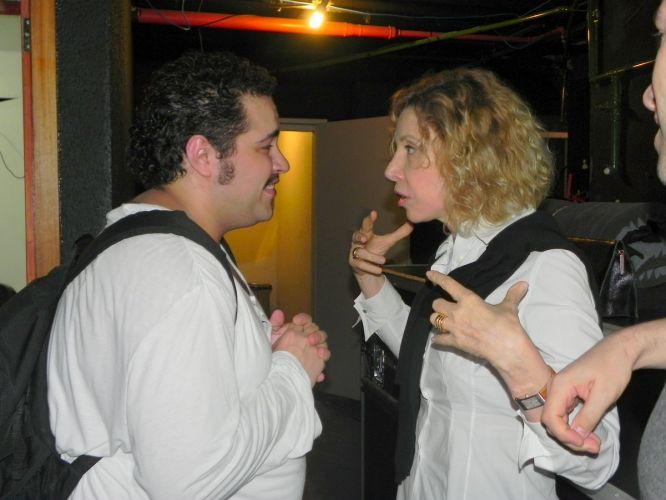 Tiago Abravanel, neto de Silvio Santos e que faz o papel de Tim Maia, no musical, conversa com Marília Gabriela (02/10/2011)
