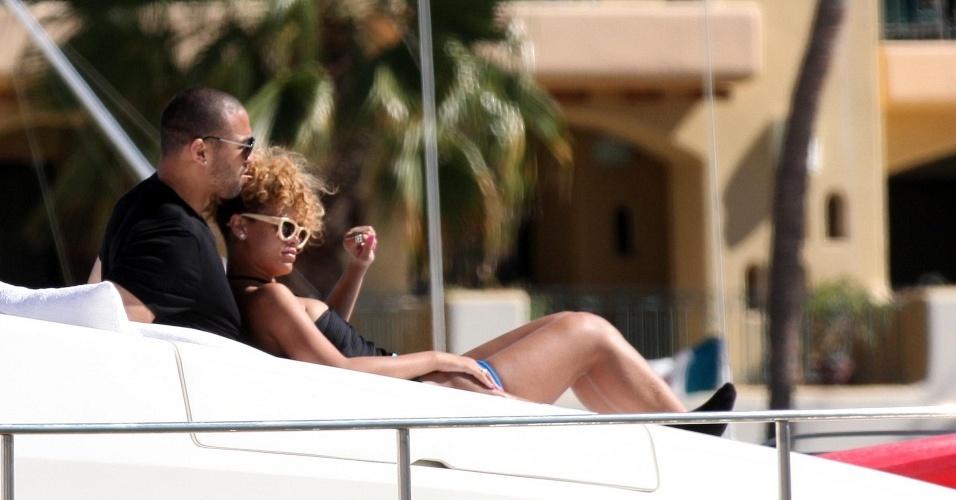 Em abril, a cantora Rihanna, que desde quando foi agredida pelo ex-namorado Chris Brown evitava dar detalhes de sua vida pessoal, assumiu o namoro com Matt Kemp, jogador de beisebol do Los Angeles Dodgers, com quem vinha saindo desde janeiro
