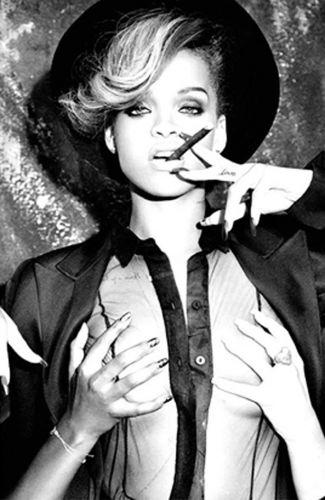 Rihanna faz ensaio sensual como forma de divulgação do novo álbum