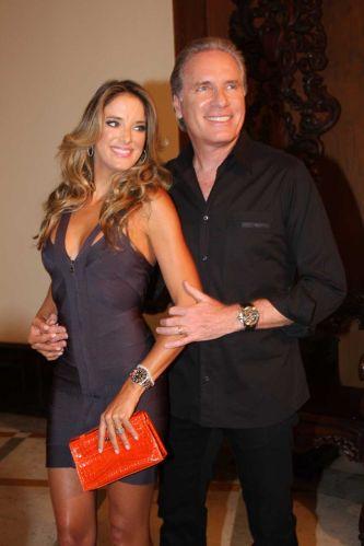 Ticiane Pinheiro e Roberto Justus prestigiam o aniversário de 30 anos de Sabrina Sato no Nacional Club, em São Paulo (3/2/2011)