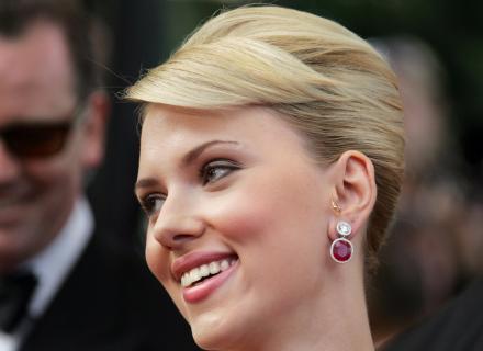 Scarlett Johansson é nome constante nas listas das mulheres mais bonitas do mundo