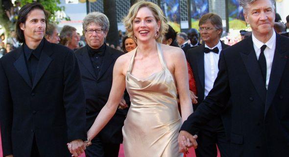 Com Walter Salles e David Lynch, quando foram jurados do festival de Cannes (mai/02)