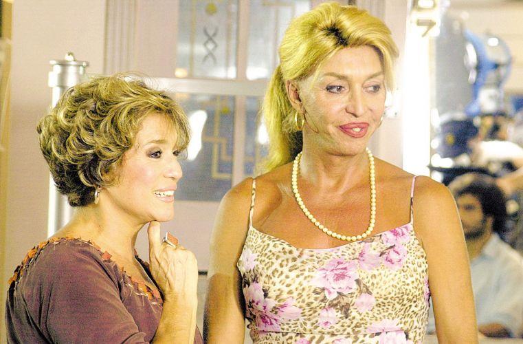 A atriz Susana Vieira e a cabeleireira Ruddy Pinho durante um intervalo de gravação da novela