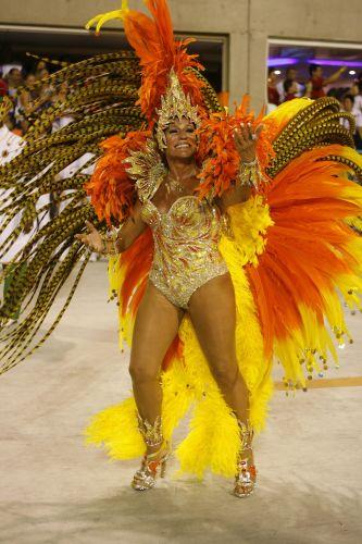 A atriz Susana Vieira, rainha de bateria da Grande Rio, durante desfile das escolas de samba do Rio de Janeiro, na Marquês de Sapucaí (22/2/2009)