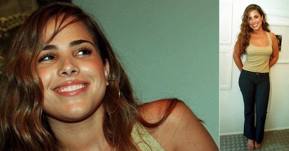Em seu escritório, Wanessa Camargo posa para entrevista da Folha de S.Paulo, na época de seu primeiro álbum, que teve 200 mil cópias vendidas (18/10/2000)