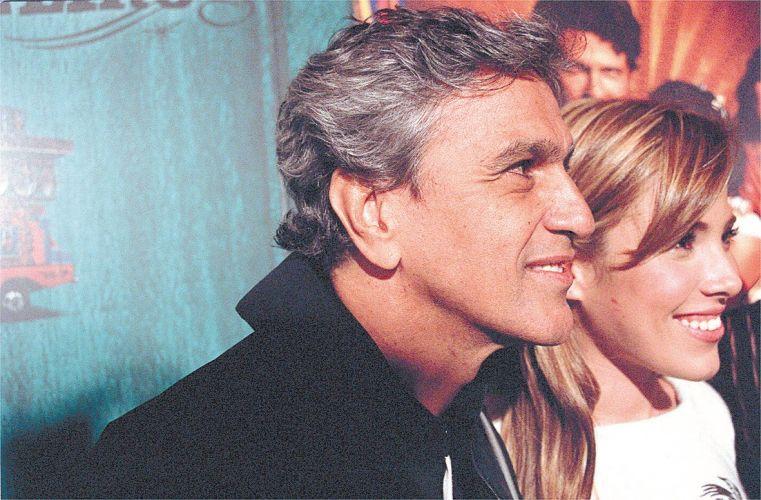 Caetano Veloso e Wanessa Camargo na pré-estreia do filme