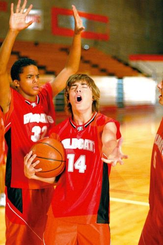 Zac Efron interpreta o personagem Troy na franquia 'High School Musical' (2006)
