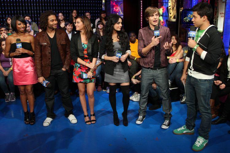 Elenco de 'High School Musical 3' participa de programa da MTV americana para divulgação do filme (21/10/2008)