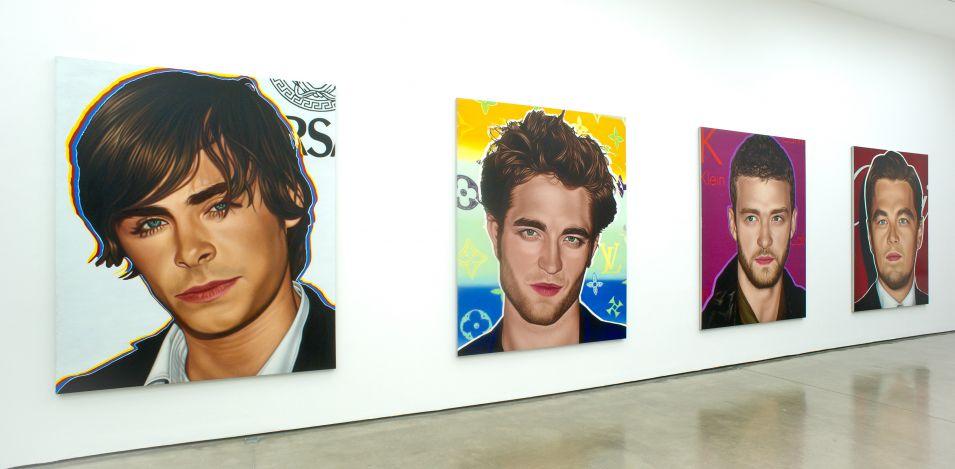 Zac Efron serve de inspiração para o famoso pintor Richard Phillips. Ao lado de Robert Pattinson, Justin Timberlake e Leonardo diCaprio o ator participou da exposição